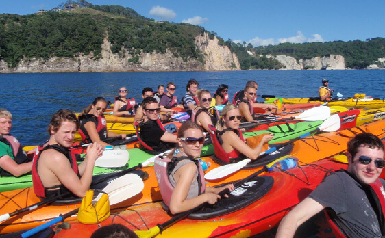 Interns Kayaking with New Zealand Internships