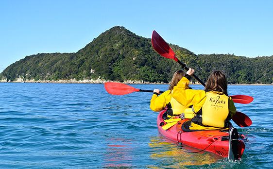 Kayaking South Island trip New Zealand Internships