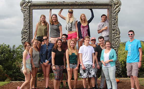 Piha day trip group photo New Zealand Internships