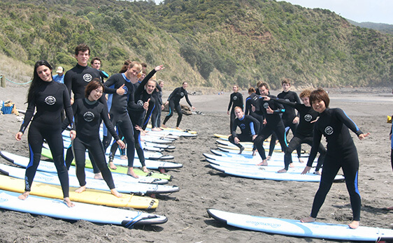 Raglan surf trip new zealand internships